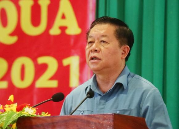 Trưởng Ban Tuyên giáo Trung ương thăm, tặng quà cho người nghèo ở Tiền Giang ảnh 1