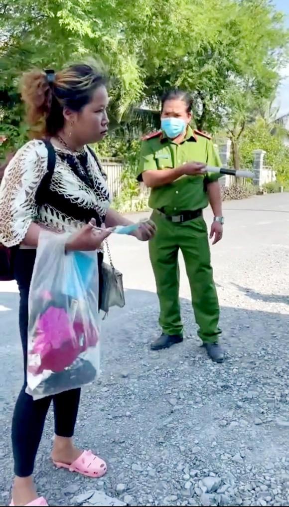 Tiền Giang: Một phụ nữ không khai báo y tế, chống người thi hành công vụ ảnh 1
