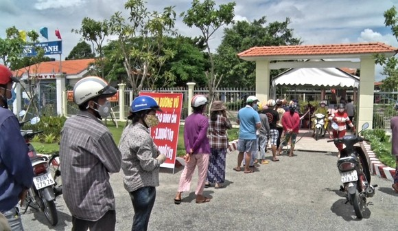 Long An bán gạo giá thấp hơn thị trường 4.000 đồng/kg đến khi hết dịch ảnh 1