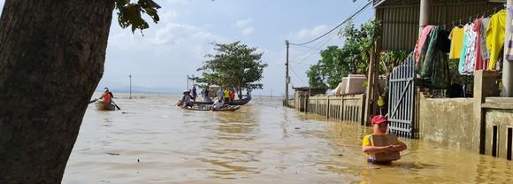 Quảng Bình: Hỗ trợ khẩn cấp 100 tỷ đồng cho hơn 100.000 hộ dân bị lũ lụt hoành hành ảnh 1