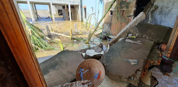 Quảng Bình: Hỗ trợ khẩn cấp 100 tỷ đồng cho hơn 100.000 hộ dân bị lũ lụt hoành hành ảnh 3