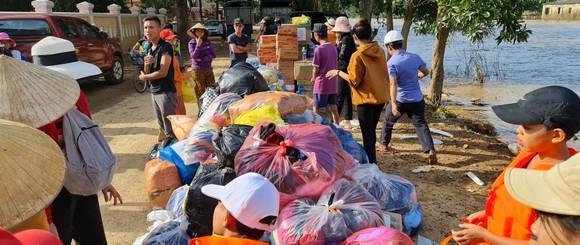 Quảng Bình: Hỗ trợ khẩn cấp 100 tỷ đồng cho hơn 100.000 hộ dân bị lũ lụt hoành hành ảnh 9