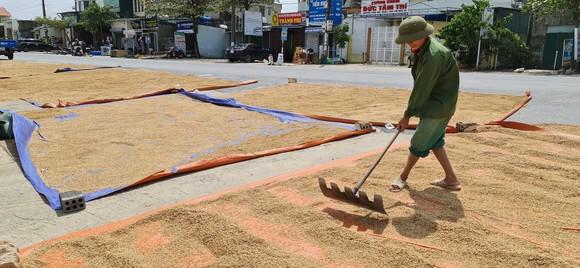 Quảng Bình: Hỗ trợ khẩn cấp 100 tỷ đồng cho hơn 100.000 hộ dân bị lũ lụt hoành hành ảnh 11