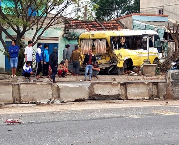 Tai nạn xe ô tô liên hoàn tại Quảng Bình, 1 người bị thương  ảnh 1