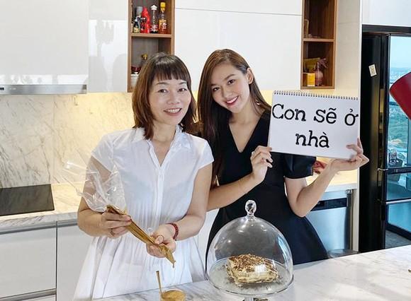 """Tiểu Vy và nhiều hoa hậu, á hậu hưởng ứng chiến dịch """"Con sẽ ở nhà ảnh 5"""