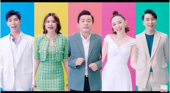 Dàn sao hàng đầu của Làn sóng xanh hát về tấm lòng tử tế của người dân Việt Nam ảnh 1