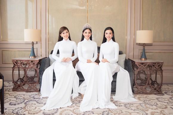 Dàn hoa hậu, á hậu khoe sắc áo dài trắng khởi động Hoa hậu Việt Nam 2020 ảnh 2