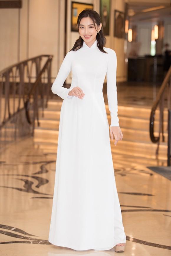 Dàn hoa hậu, á hậu khoe sắc áo dài trắng khởi động Hoa hậu Việt Nam 2020 ảnh 11