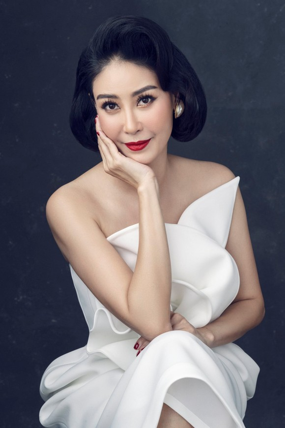 Lộ diện 7 giám khảo của Hoa hậu Việt Nam 2020 ảnh 5