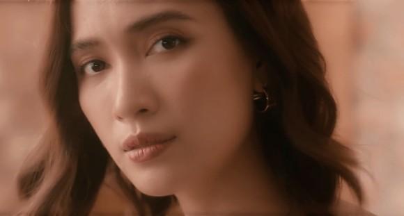 """Mở màn The Ai Phuong Show mùa 3, Ái Phương làm mới """"Lỗi ở yêu thương"""" ảnh 2"""