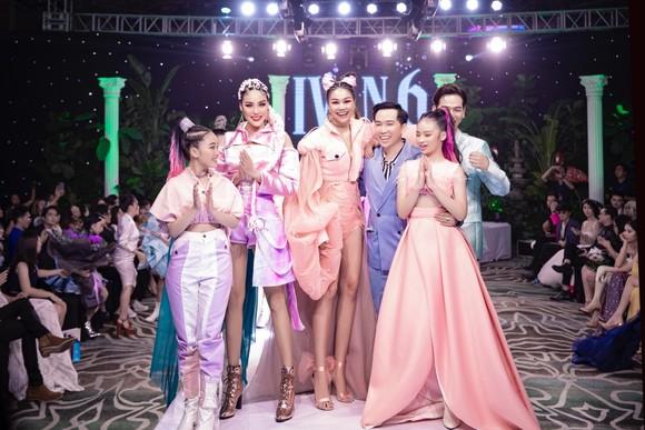 Thanh Hằng, Lan Khuê làm vedette show diễn IVAN 6  ảnh 2