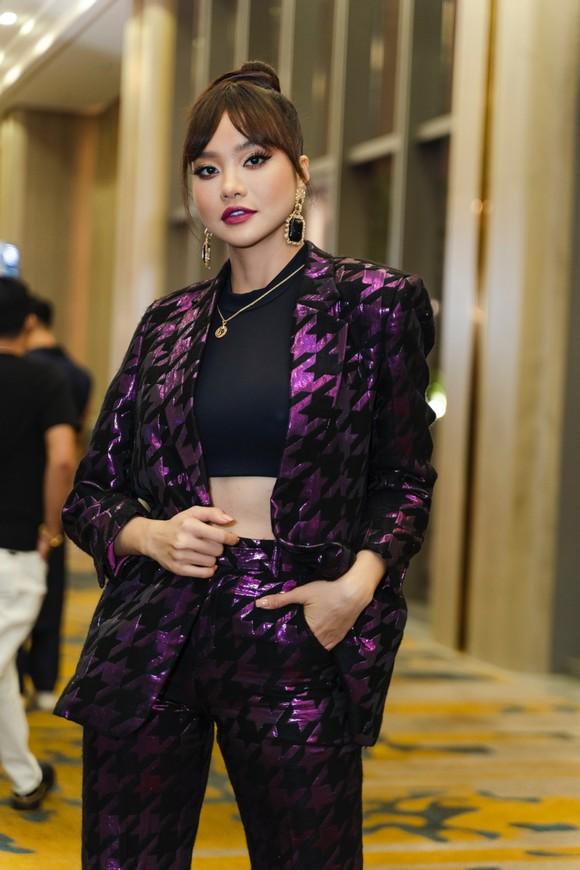 Thanh Hằng, Lan Khuê làm vedette show diễn IVAN 6  ảnh 16