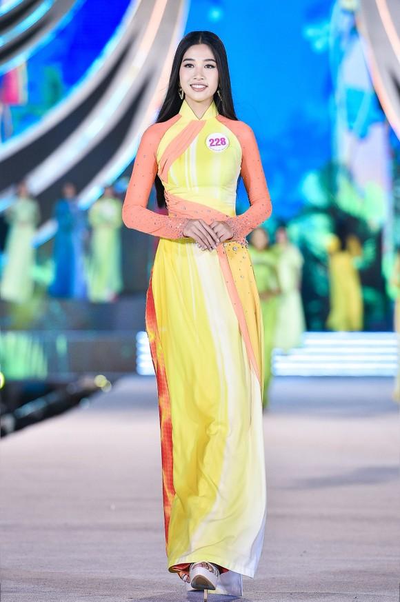 Hoa hậu Việt Nam 2020: Lộ diện Top 5 Người đẹp Biển ảnh 2