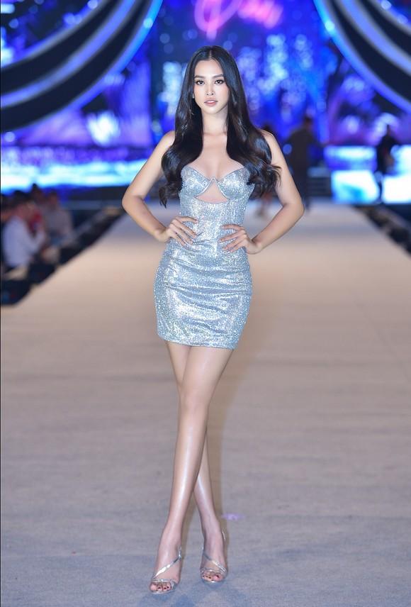Hoa hậu Việt Nam 2020: Lộ diện Top 5 Người đẹp Biển ảnh 12