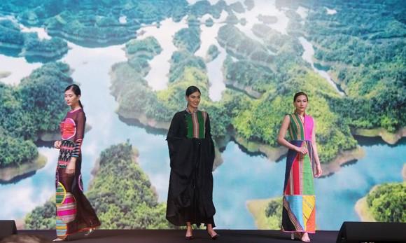 """Lễ hội Văn hóa Thổ cẩm Việt Nam 2020: Sẽ trình diễn Fashion show """"Hương rừng sắc núi"""" ảnh 3"""