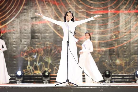 Top 30 thí sinh Hoa khôi Du lịch Việt Nam 2020 hoàn tất Đêm thi Bán kết ảnh 7