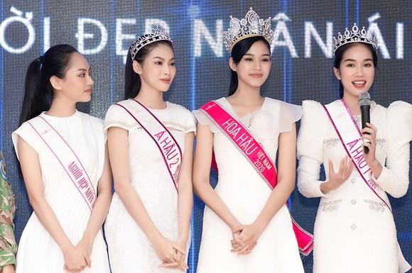Chuyến từ thiện đầu tiên của Tân Hoa hậu Đỗ Thị Hà ảnh 7