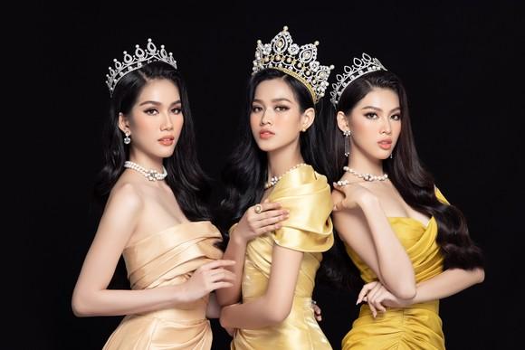 Nhan sắc Hoa hậu Đỗ Thị Hà và 2 Á hậu sau 1 tháng đăng quang ảnh 1