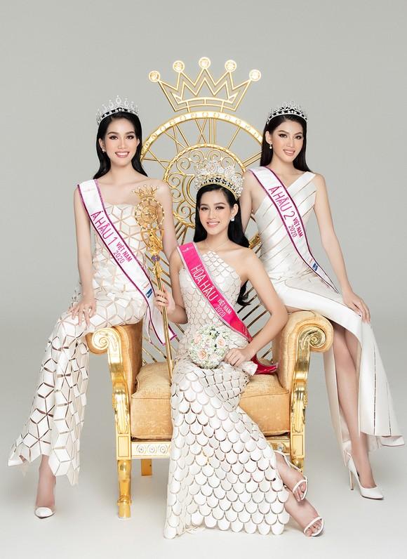 Nhan sắc Hoa hậu Đỗ Thị Hà và 2 Á hậu sau 1 tháng đăng quang ảnh 4