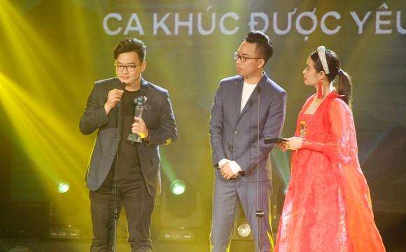 Binz và Amee đoạt giải ca sĩ của năm tại Giải thưởng Làn sóng xanh 2020 ảnh 10