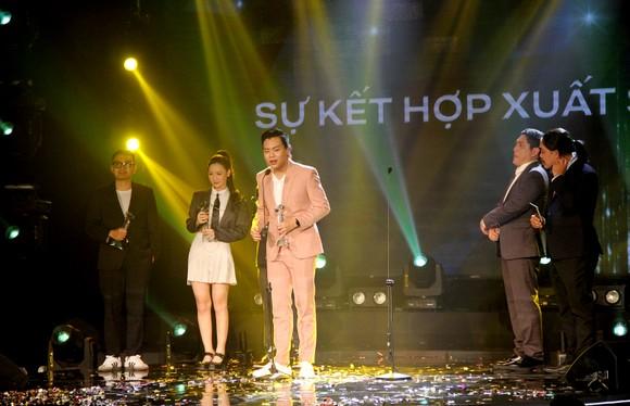 Binz và Amee đoạt giải ca sĩ của năm tại Giải thưởng Làn sóng xanh 2020 ảnh 11