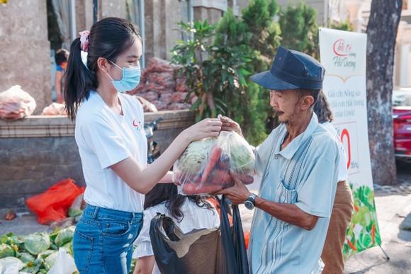 Á hậu Phương Anh, Kiều Loan, Thuý An, Diễm Trang chung tay giải cứu nông sản Hải Dương  ảnh 5