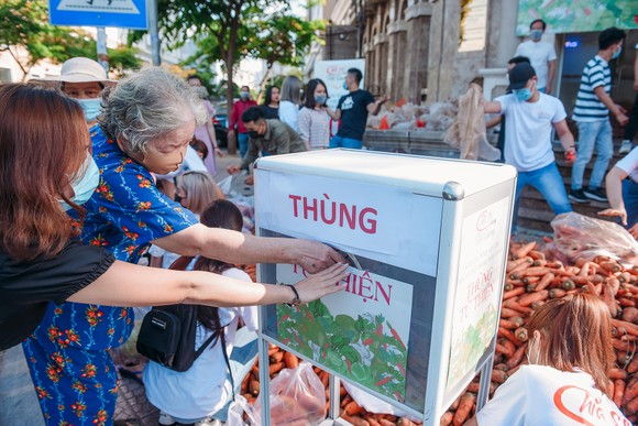 Á hậu Phương Anh, Kiều Loan, Thuý An, Diễm Trang chung tay giải cứu nông sản Hải Dương  ảnh 3