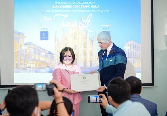 Bà Lê Thị Quỳnh Trang được trao tặng Huân chương Công trạng ảnh 1
