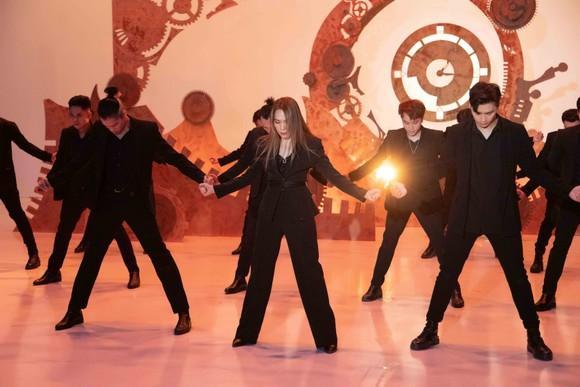 Mỹ Tâm phát hành MV nhạc dance 'Hào quang' ảnh 2