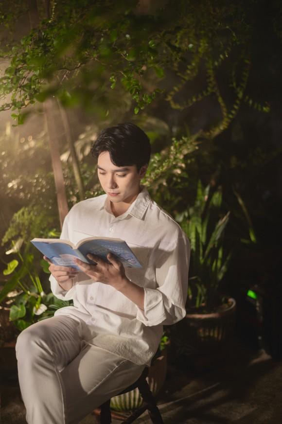 Thiều Bảo Trâm hát nhạc tỏ tình trong MV 'Love Rosie' ảnh 7