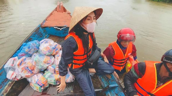 Ca sĩ Thủy Tiên công khai xin lỗi, hoàn 30 triệu đồng chuyển từ thiện nhầm ảnh 1