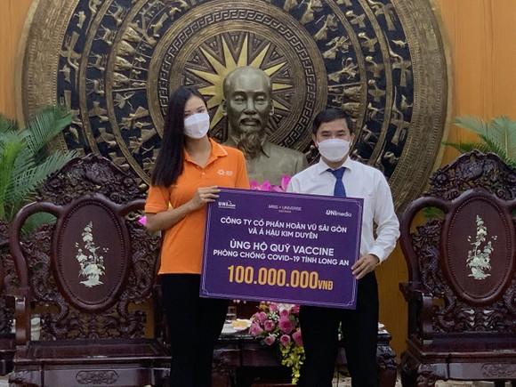Hoa hậu Tiểu Vy, Kiều Loan, Phương Anh, Ngọc Thảo nấu 15.000 suất ăn cho bà con nghèo  ảnh 10