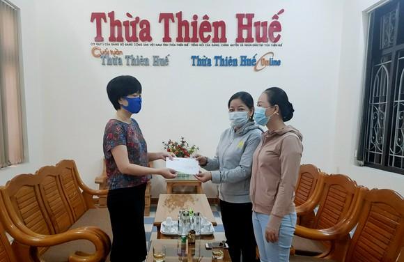 TPHCM tiếp nhận 5 tấn lương thực, thực phẩm từ người dân Huế ảnh 17