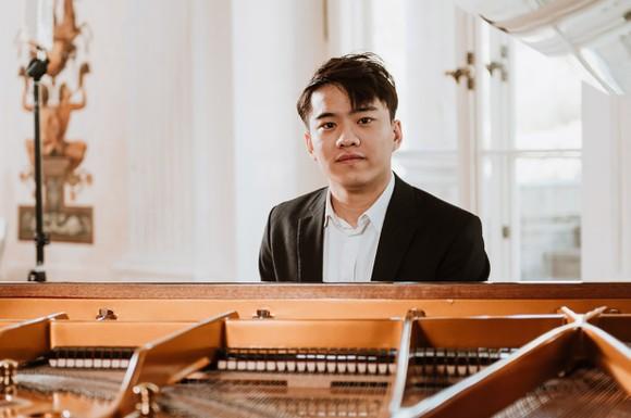 Sau 40 năm, Việt Nam có đại diện vào chung kết cuộc thi piano quốc tế mà nghệ sĩ Đặng Thái Sơn từng đạt giải nhất ảnh 1