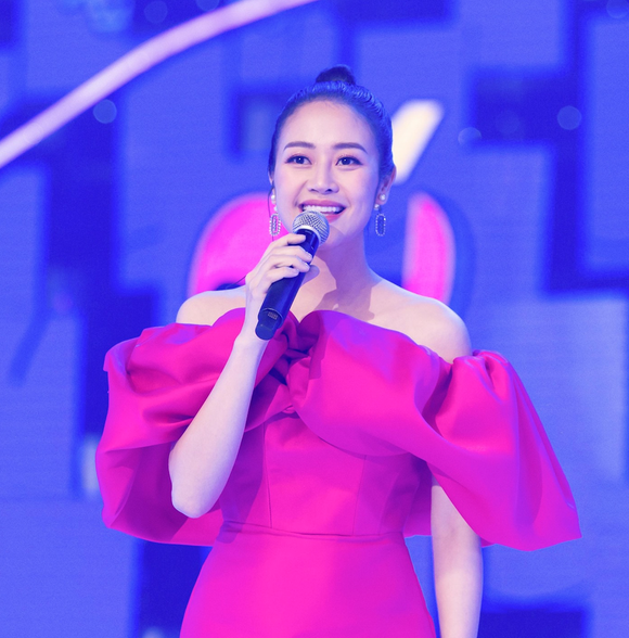 H'Hen Niê, Đen Vâu, Xuân Bắc, Hà Lê lộ diện ở vòng 1 VTV Awards 2021 ảnh 15