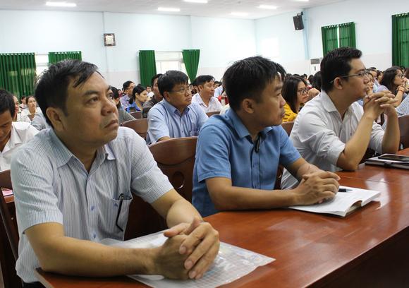 Hơn 300 học viên TPHCM tham gia lớp bồi dưỡng lý luận chính trị ảnh 1