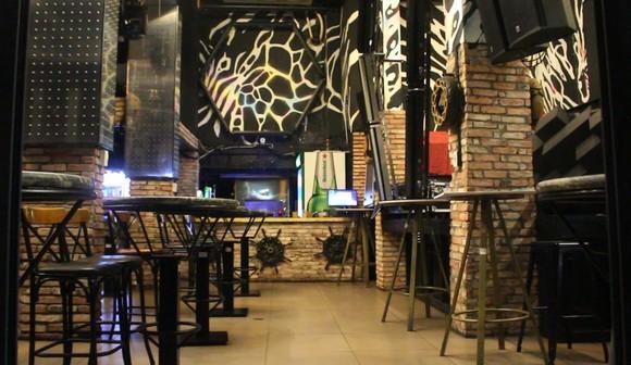 Quán bar, vũ trường tại TPHCM tạm ngưng để tiếp tục chống dịch Covid-19 ảnh 6
