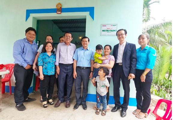 Báo SGGP trao tặng nhà tình thương cho người dân Bến Tre đón tết ảnh 3