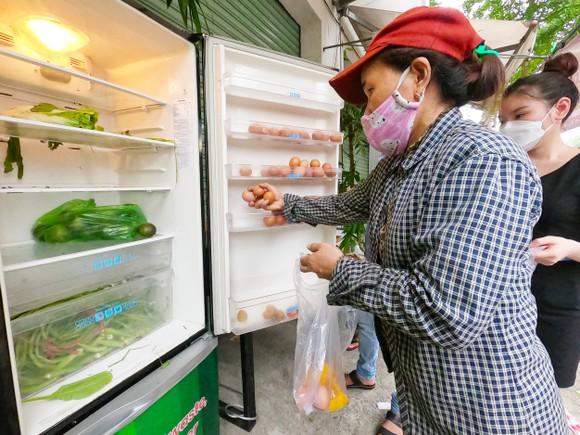 'Tủ lạnh cộng đồng' cho thực phẩm mang về nấu ảnh 2