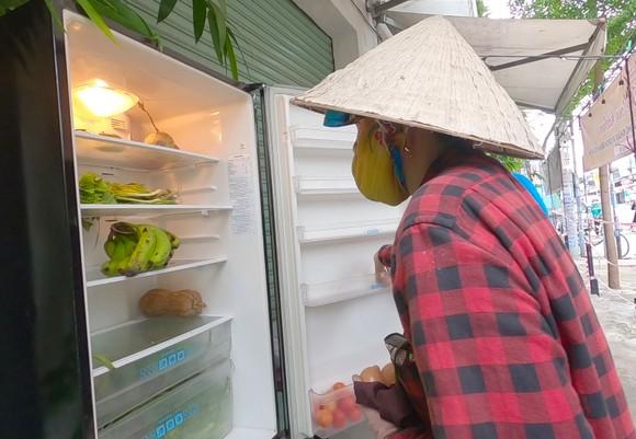 'Tủ lạnh cộng đồng' cho thực phẩm mang về nấu ảnh 4