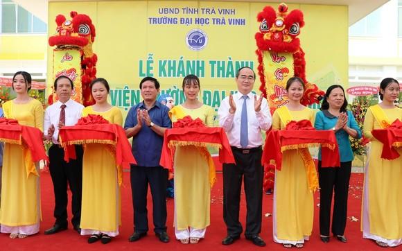 Bí thư Thành ủy TPHCM Nguyễn Thiện Nhân thăm, tặng quà tết ở Trà Vinh  ảnh 4