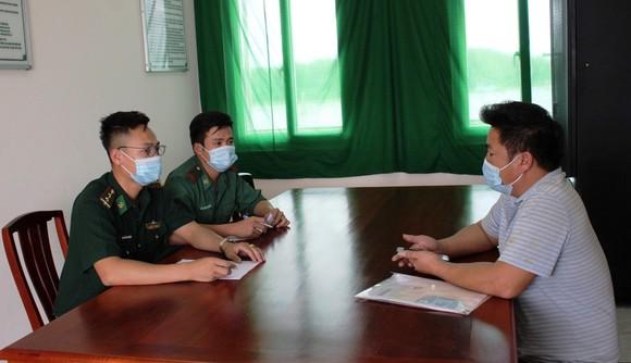 Lực lượng chức năng làm việc với thuyền trưởng
