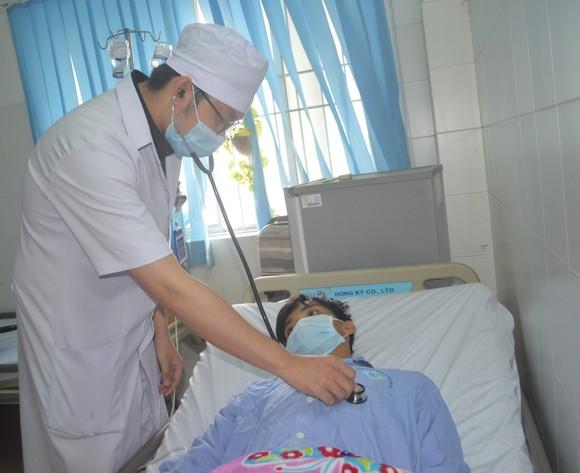 Bệnh viện ĐK Trung ương Cần Thơ vừa cứu sống một bệnh nhân nguy kịch ảnh 2