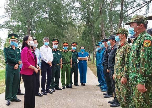 Phó Chủ tịch nước Võ Thị Ánh Xuân kiểm tra phòng chống dịch Covid-19 ở Kiên Giang ảnh 1