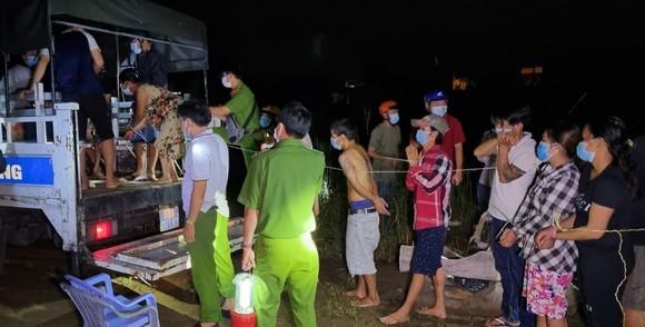 Hàng chục người tham gia đánh bạc trong lúc giãn cách xã hội ở Kiên Giang  ảnh 1
