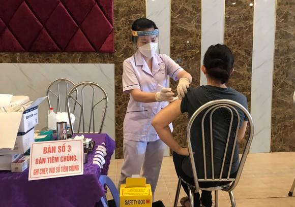 Ưu tiên tiêm vaccine cho 100% người dân ở đảo Phú Quốc ảnh 1