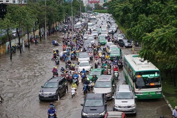Lắp đặt hệ thống bơm thông minh chống ngập đường Nguyễn Hữu Cảnh  ảnh 1