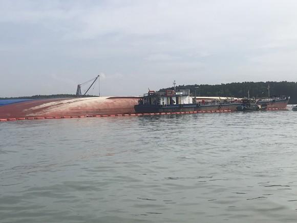 Nạo vét luồng cho tàu có mớn nước 9,5m qua khu vực chìm tàu ở Cần Giờ ảnh 2