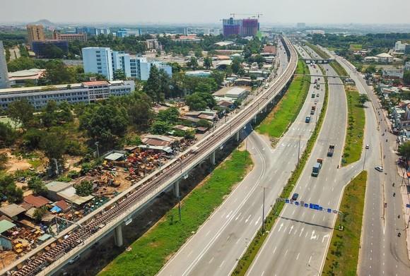 Tầng hầm B1 Ga Nhà hát Thành phố tuyến metro Bến Thành-Suối Tiên sẵn sàng đón khách tham quan ảnh 2
