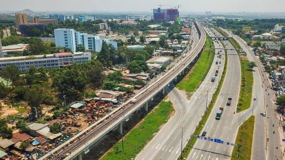 Phấn đấu cuối năm 2021 đưa vào vận hành thương mại tuyến metro số 1 Bến Thành - Suối Tiên  ảnh 4